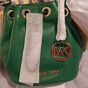 e901d04c51 MICHAEL Michael Kors Bags - Michael Kors Jules Drawstring Bucket purse
